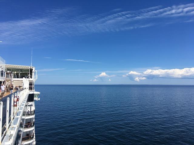 Queen Elizabeth poprvé na vodě